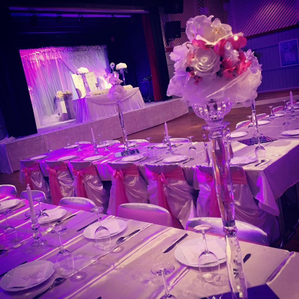 Bröllopsdekoration i Umeå Folkets Hus